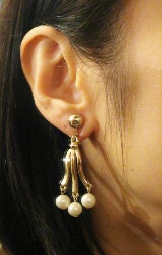 VINTAGE SARAH COV PEARL DANGLE EARRINGS (GLD)