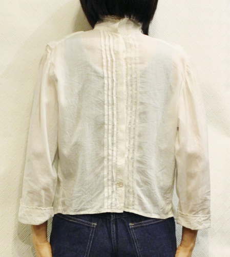 ANTIQUE 10'S~ HIGH NECK EMBROIDERED BLOUSE (WHT)
