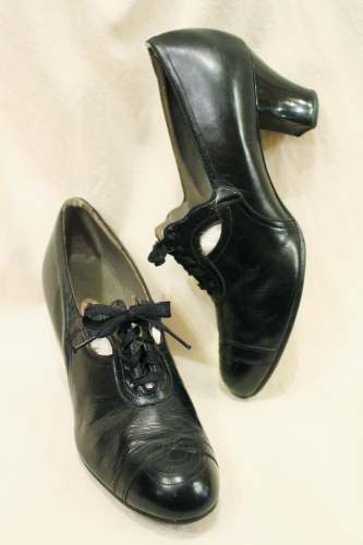 40'S CUT OUT LEATHER OXFORD SHOES (BLK)