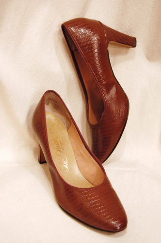 70'S~ LIFE STRIDE PATENT LEATHER REPTILE PUMPS(BRN)