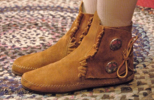 MINNETONKA SUEDE CONCHO MOCCASIN SHORT BOOTS(L.BRN/MADE IN USA)
