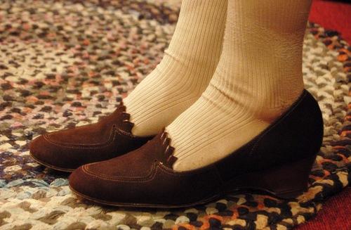 50'S~ KICKERINOS SUEDE WEDGE SOLE PUMPS(D.BRN)