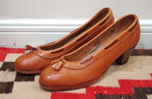 vintage tassel heel loafer