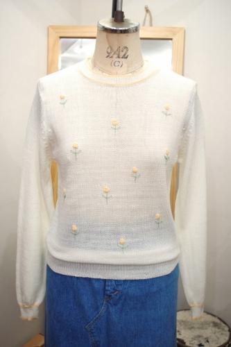 70'S~ FLOWER EMBROIDERED CROCHET TOPS(O.WHT)