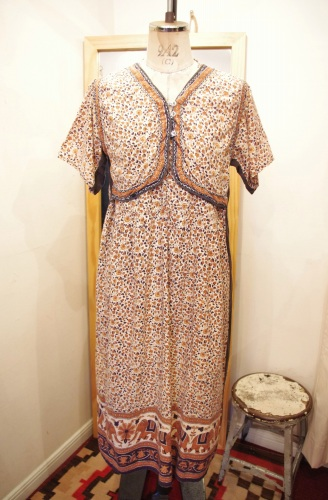 INDIA COTTON FLOWER PRINT VEST DRESS(L.BEIGE/BLK)
