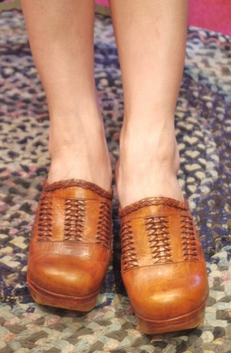 70'S~ CUT OUT WEDGE LEATHER SABOT(L.BRN)