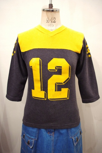 70'S~ NUMBERING FOOTBALL V-NECK SWEAT(O.YLW/BLK)