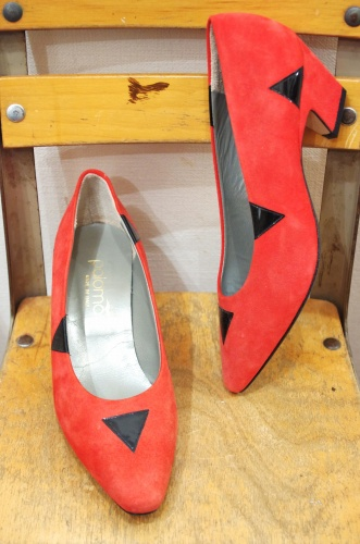 DEAD STOCK 80'S~ SUEDE LOW HEEL PUMPS(RED・MADE IN ITALY)
