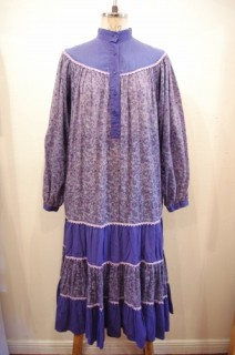 70'S~ INDIA COTTON FLOWER PRINT TIERED LONG DRESS(D.BLE/GRY/PPL)