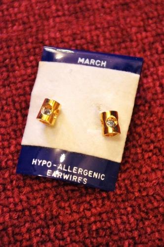 deadstock 80's pierced  earring