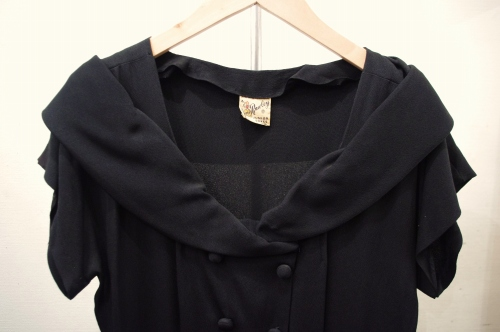40'S~ OFF SHOULDER FRENCH SLEEVE BLACK DRESS(BLK)