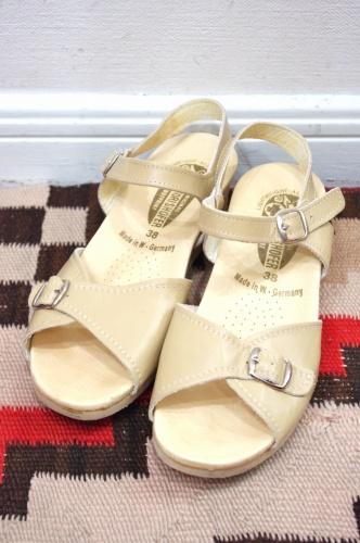 deadstock cork wedge sandal
