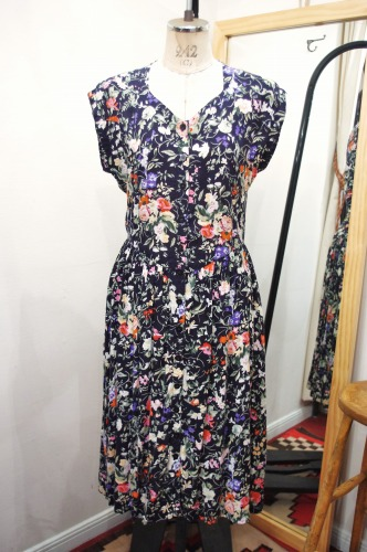 80'S~ INDIA RAYON FLORAL PRINT SLEVEELESS DRESS(BLK)