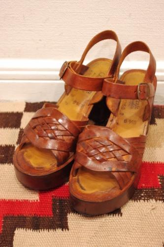 vintage 70s platform sandal
