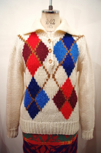 60'S~70'S ARGYLE WOOD BUTTON PULL OVER SWEATER(O.WHT)