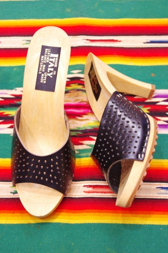 DEAD STOCK 70'S~ PUNCHING LEATHER MULE SANDAL (MADE IN ITALY/BLK)