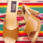 DEAD STOCK 70'S~ PUNCHING LEATHER MULE SANDAL (MADE IN ITALY/CRML)