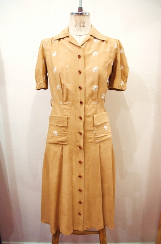 40'S~ FLOWER EMBROIDERED PUFF SLEEVE DRESS(S.BRN)